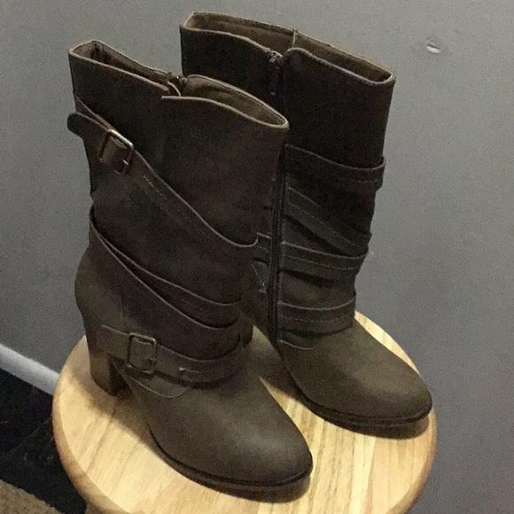 Shoes   Womens Apt 9 Fashion Boots Size